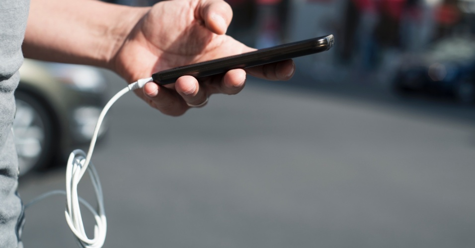 Rede social | Como diminuir o quanto você gasta de bateria com o Facebook