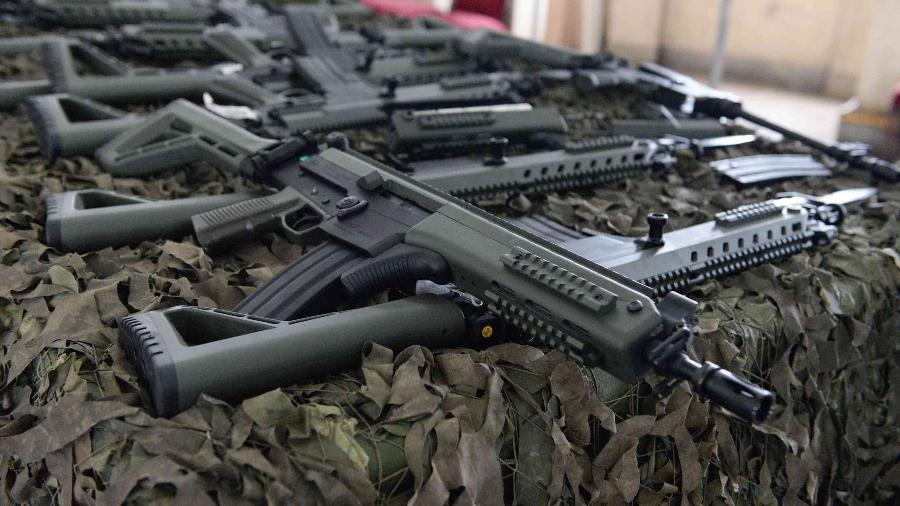 Fuzis IA2 recebidos pela intervenção federal foram destinados a agentes de segurança - Rodrigo Soares Pires/Folhapress