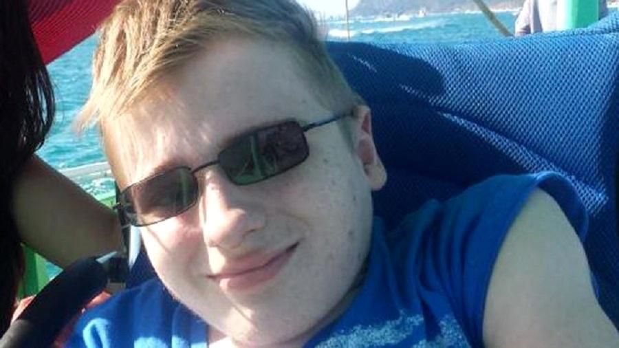 Fredrick Brennan, criador do fórum 8chan, pede que fechem a plataforma