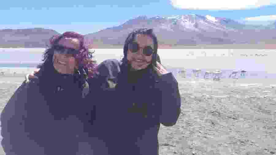 Danielly Paola Leite Lopes e a mãe Luzia Fátima Leite Silva no Salar de Uyuni  - Arquivo Pessoal