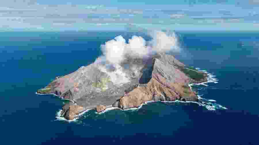 O vulcão de White Island, na Nova Zelândia, é um dos mais ativos do país - sua última erupção aconteceu em dezembro - Getty Images