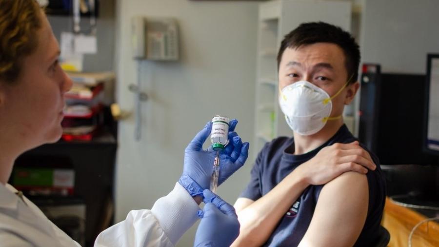 Profissionais da área da saúde vivem clima de apreensão com o aumento de casos do novo coronavírus no Brasil - Getty Images