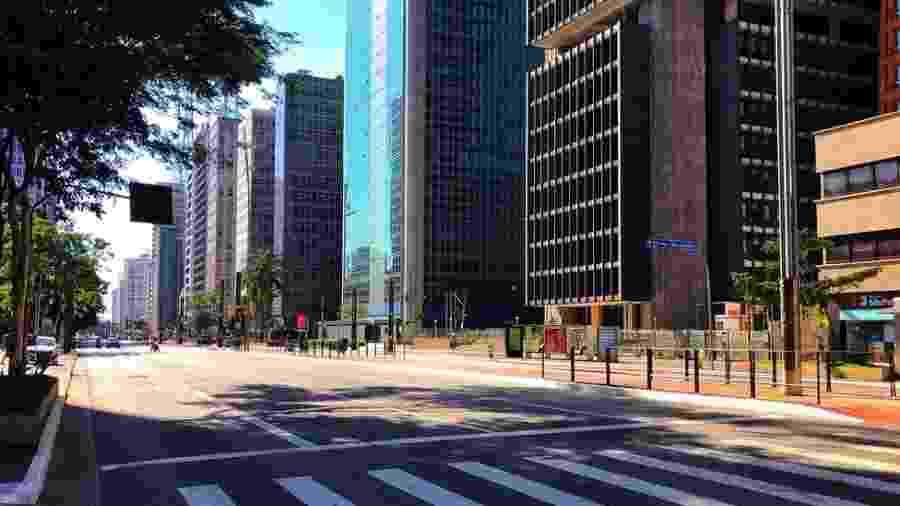 Avenida Paulista, um dos principais polos econômicos de São Paulo, vazia durante quarentena - Roberto Parizotti/Fotospublicas