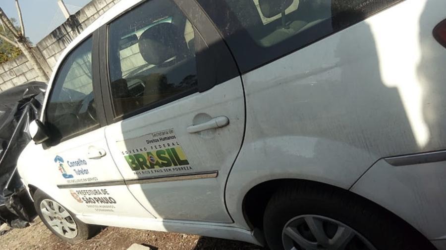 Um dos veículos doados ao município para uso de Conselhos Tutelares e que está estacionado desde 2019 - Igor Carvalho/Brasil de Fato