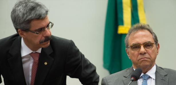 Milton Pascowitch (à direita) durante sessão da CPI da Petrobras em agosto de 2015