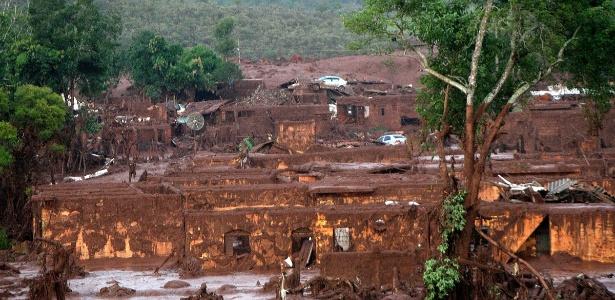 Rompimento da barragem de Fundão destruiu o subdistrito de Bento Rodrigues - Neno Vianna/EFE