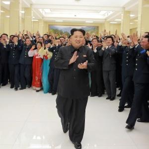 Os projéteis norte-coreanos percorreram uma distância de 500 quilômetros até cair no mar, de acordo com o governo de Seul