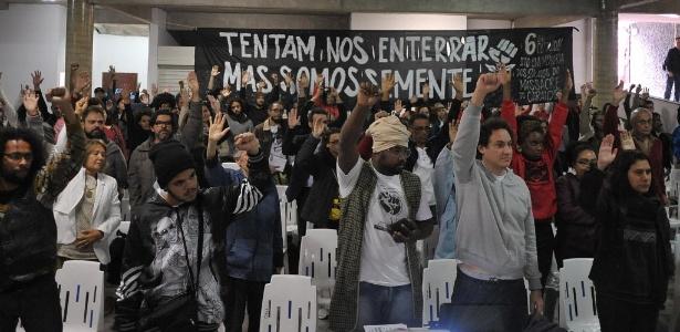 """Representantes de entidades de direitos humanos fazem """"julgamento"""" simbólico"""
