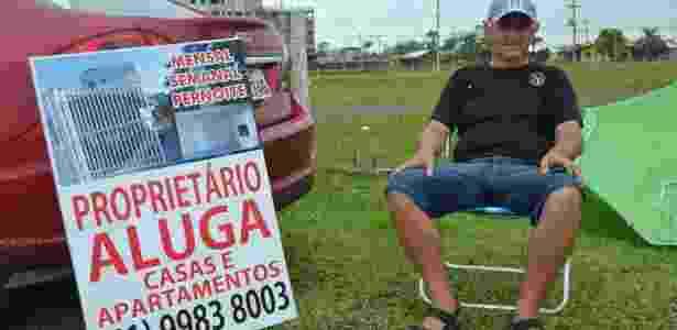 Luiz Borges Martins, dono de 10 imóveis entre casas e apartamentos, anuncia imóveis na beira da estrada em Torres (RS) - Fernando Soares/UOL