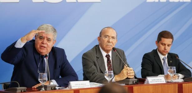 Ministros falam sobre crise de abastecimento, mas evitam comentar saída de Parente