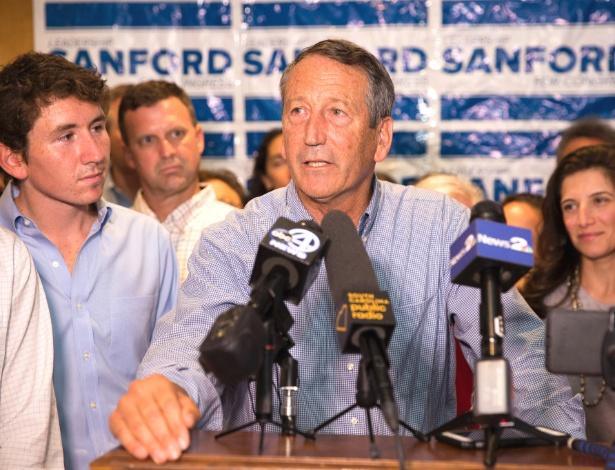 O deputado republicano Mark Sanford fala após primária em Mt. Pleasant, S.C.