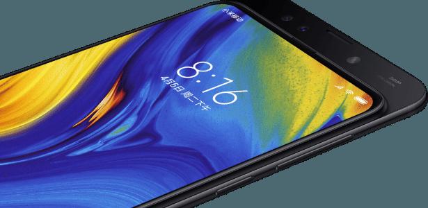Mi Mix 3, da Xiaomi, têm câmera de selfie escondida que só aparece quando a parte de trás do celular é deslizada - Divulgação/Xiaomi