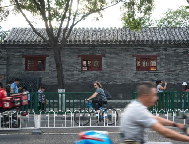 Local que costumava ser uma clínica odontológica antes a reforma na rua Yonghegong, em Pequim
