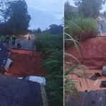 29.jan.2020 - Veículos são engolidos por cratera após estrada ceder em Minas Gerais, devido às fortes chuvas - Corpo de Bombeiros de Minas Gerais