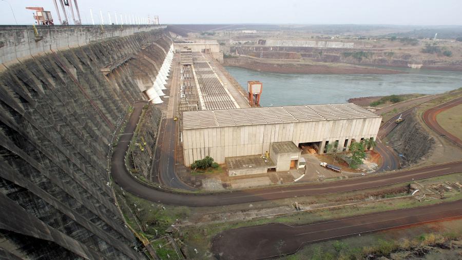 Vista da hidrelétrica de Itaipu, em Foz do Iguaçu, Brasil - Paulo Whitaker/Reuterrs