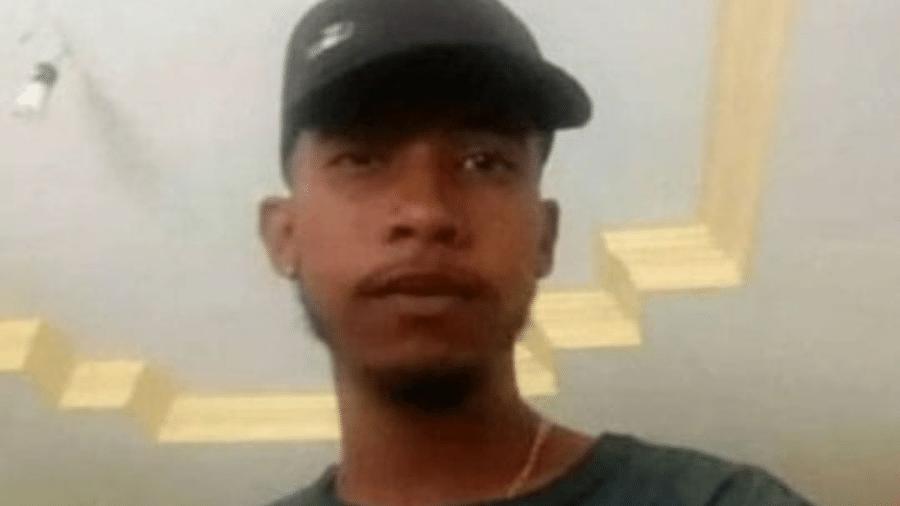 Lucas Freitas da Paixão, de 19 anos, foi abordado por mulher na saída de bar e aceitou dar carona - Reprodução/Facebook