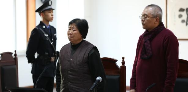 Zhang Huanzhi, mãe de Nie Shubin, no tribunal em Shijiazhuang, na China