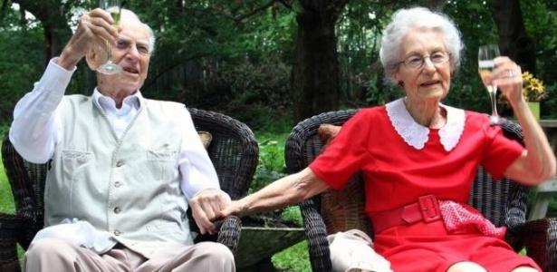 George e Jean Spear se conheceram no Reino Unido, num baile, e morreram em alas diferentes de um mesmo hospital - Postmedia/Ottawa Citizen