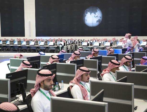 21.mai.2017 - Funcionários trabalham no Centro Global de Combate à Ideologia Extremista, em Riad, na Arábia Saudita - Stephen Crowley/The New York Times