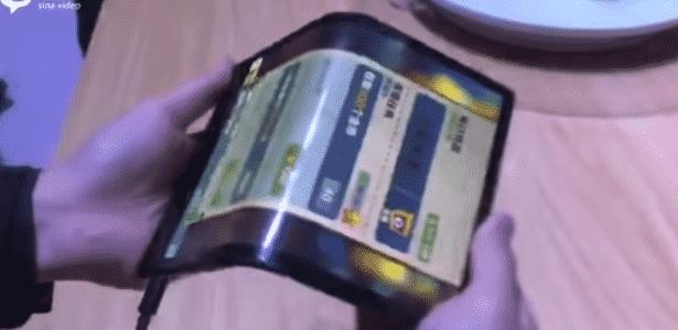 Primeiro celular dobrável do mundo foi apresentado na China - Reprodução