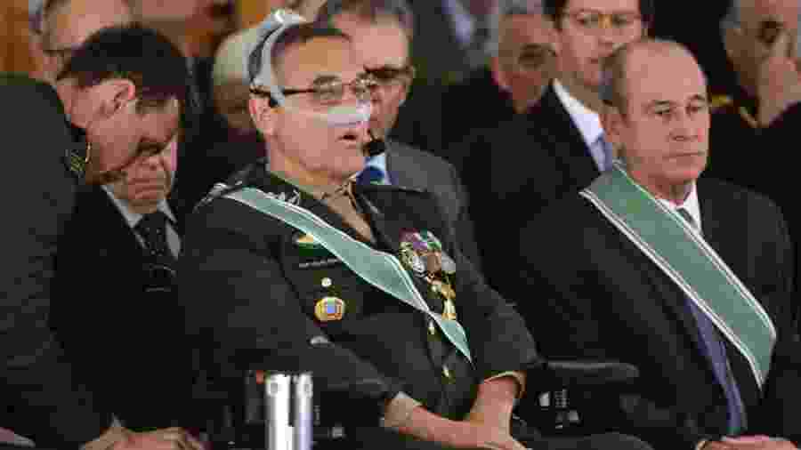11.jan.2019 - General Eduardo Villas Bôas discursa em sua despedida do comando do Exército