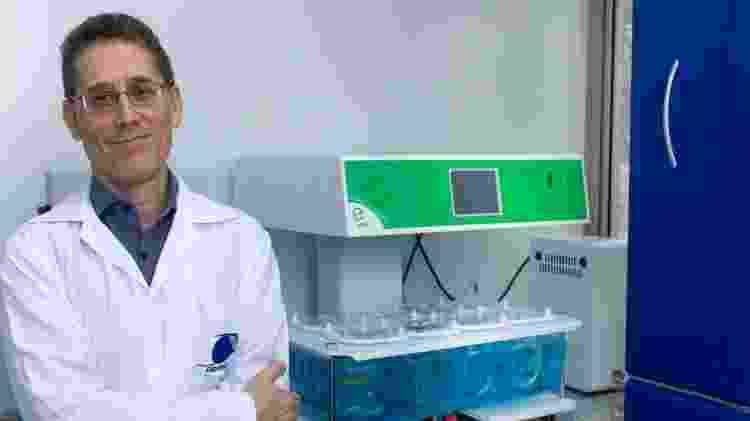 Professor Humberto Gomes Ferraz em seu laboratório - Divulgação