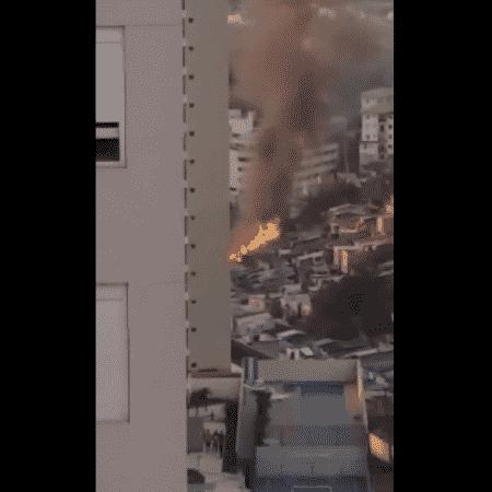 Incêndio atinge dez barracões na Vila Andrade, Zona Sul de São Paulo - Reprodução/Twitter