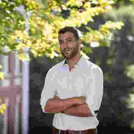 O pesquisador David Nemer, que estuda campanhas políticas, fakenews e grupos de WhatsApp - Dan Addison - 28.ago.2019/Divulgação/Universidade da Virgínia