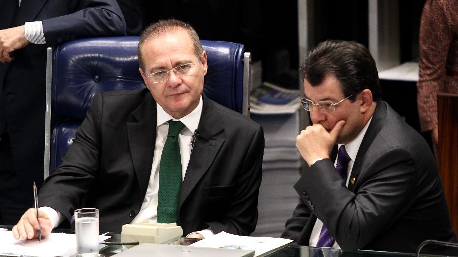Os senadores do MDB Renan Calheiros (AL), à esquerda, e Eduardo Braga (AM) -  Pedro Ladeira/Folhapress - 5.jan.2013