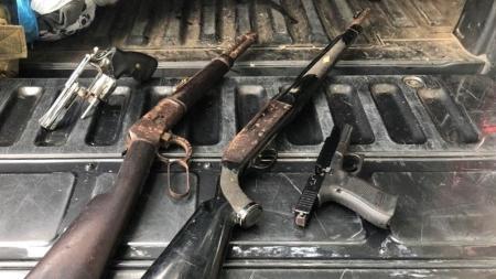 Além da pistola, outras três armas foram encontradas no imóvel onde estava Nóbrega - Divulgação/SSP-BA