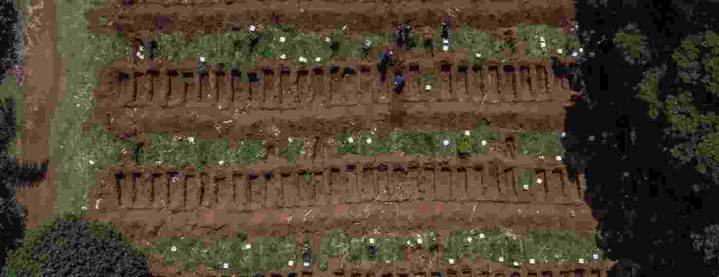 Cemitério da Vila Formosa, em São Paulo, teve aumento no número de enterro depois do início da pandemia de coronavírus - Nelson Almeida/AFP