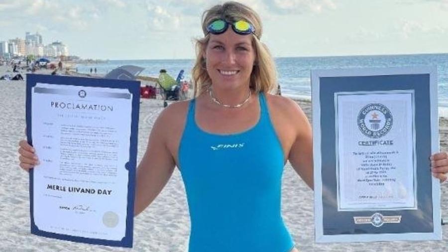 Nadadora da Estônia bate recorde mundial ao nadar 30 km, em Miami Beach, na Flórida - Divulgação/ Guinness World Records