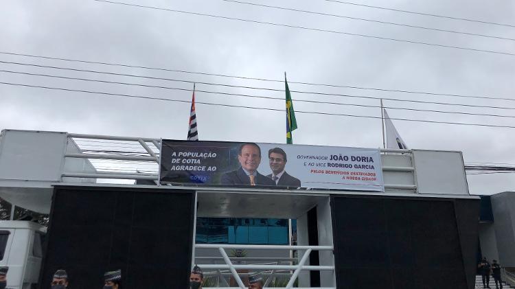 Eleição antecipada: faixa em trio elétrico em apoio ao João Doria e Rodrigo Garcia para 2022 - Lucas Borges Teixeira/UOL - Lucas Borges Teixeira/UOL