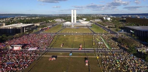 Penúltima votação do impeachment não exige muro na Esplanada dos Ministérios - Marcelo Bassul/AFP