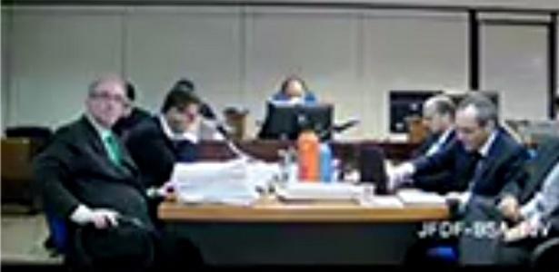 O deputado Eduardo Cunha (à esq.) e o corretor Lúcio Funaro (dir.) ficaram frente a frente em depoimento na Justiça Federal, em Brasília