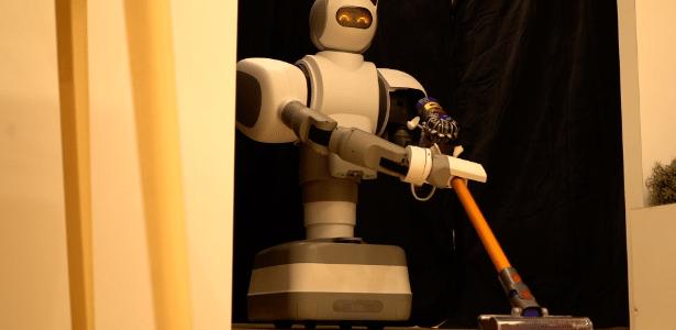 """Um dos robôs mais versáteis da CES, o Aeolus parece vindo direto dos """"Jetsons"""""""