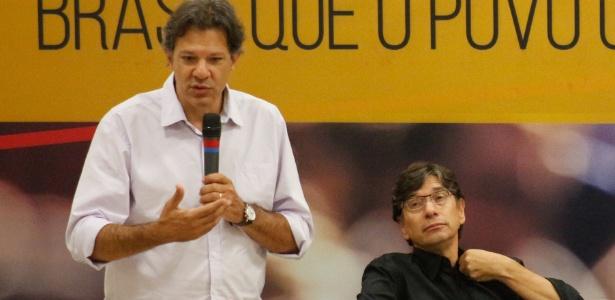 O ex-prefeito de São Paulo Fernando Haddad e o presidente da Fundação Perseu Abramo, Márcio Pochmann, na abertura do Fórum Nacional Brasil Que o Povo Quer, em São Paulo
