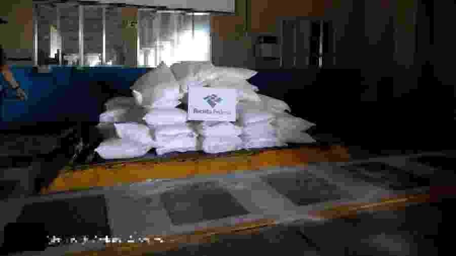 1.162 kg de cocaína foram localizados em carga de exportação no Porto de Santos - Divulgação/Receita Federal