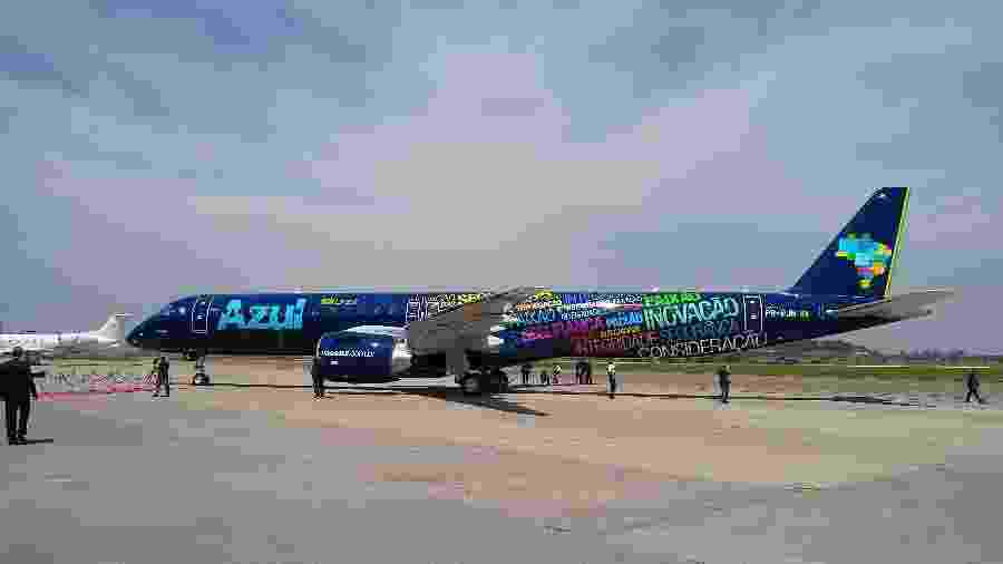Azul recebe o 1º Embraer E195-E2 - Vinícius Casagrande/UOL
