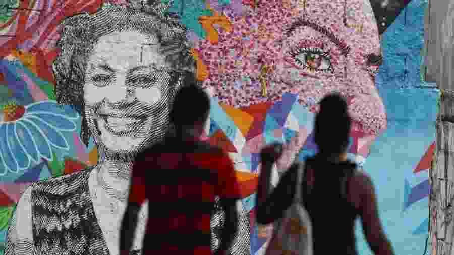 Homenagens à vereadora assassinada Marielle Franco no Rio de Janeiro; ainda não está esclarecido quem seria o mandante do crime - Sergio Moraes/Reuters