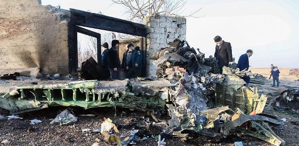 Acidente aéreo | Avião ucraniano cai logo após decolar no Irã e deixa 176 mortos