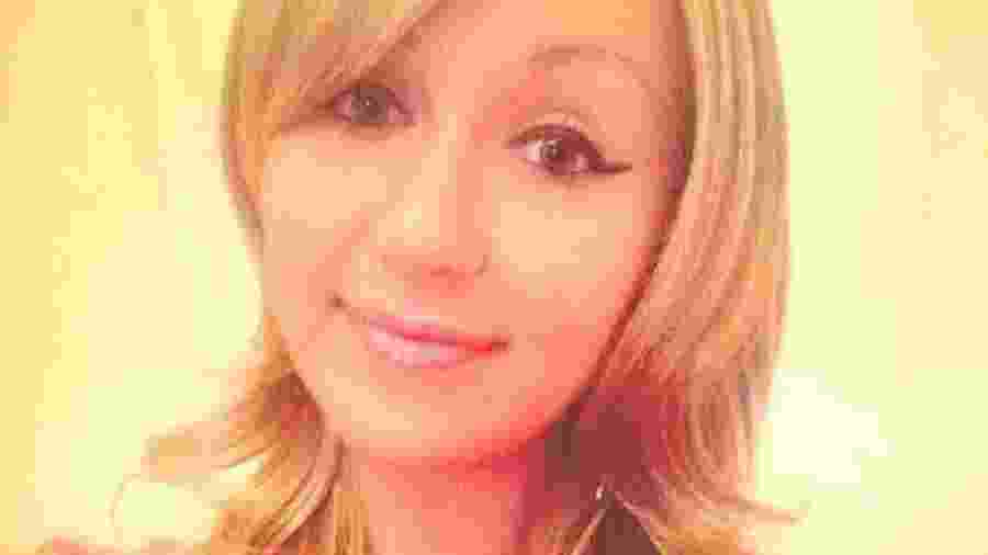 Após 15 diagnósticos falhos, Emma Swain recebeu a notícia de que tinha câncer cervical - Reprodução/Facebook