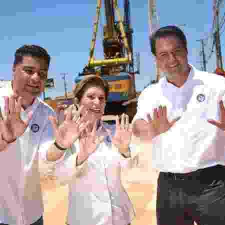 Ratinho Junior (à dir.) em campanha com Elizabeth Schmidt, eleita em Ponta Grossa (PR) - Divulgação