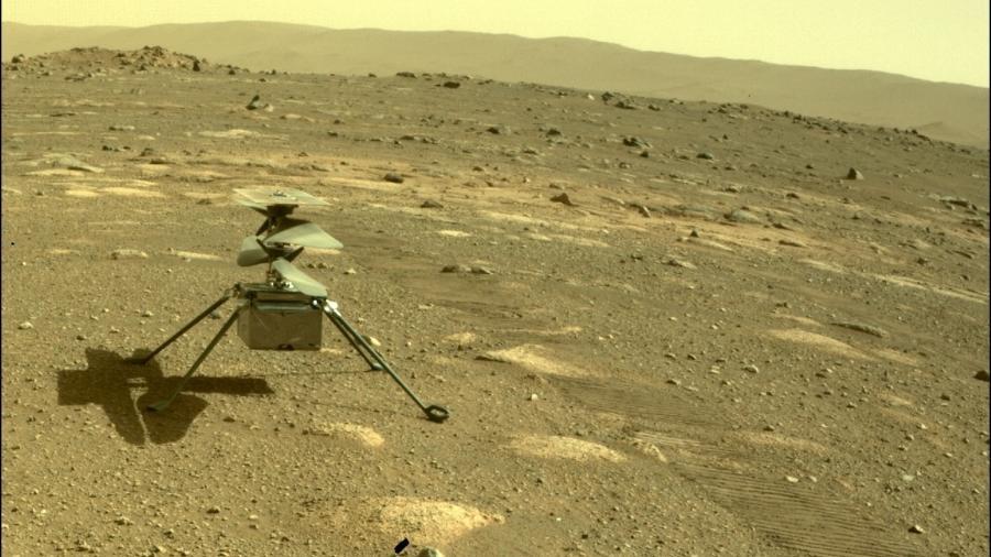 Imagem do helicóptero Ingenuity na superfície de Marte feita pelo rover Perseverance - Nasa/JPL-Caltech
