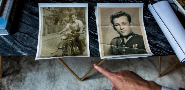 Michael Pomeranc mostra fotos de seu pai, sobrevivente do Holocausto