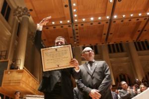 19.dez.2016 - João Doria recebe o diploma para assumir o mandato a partir de 1º de janeiro