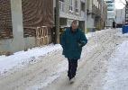 Canadense corre atrás de ladrão, devolve carteira para vítima e leva criminoso para tomar um café - Facebook/Tess Aboughoushe