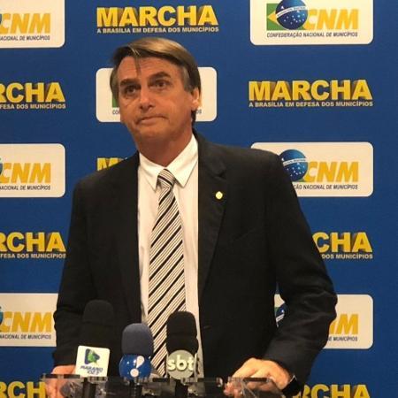 23.mai.2018 - O deputado Jair Bolsonaro (PSL-RJ), então pré-candidato à Presidência, na Marcha de Prefeitos, em Brasília - Luciana Amaral/UOL