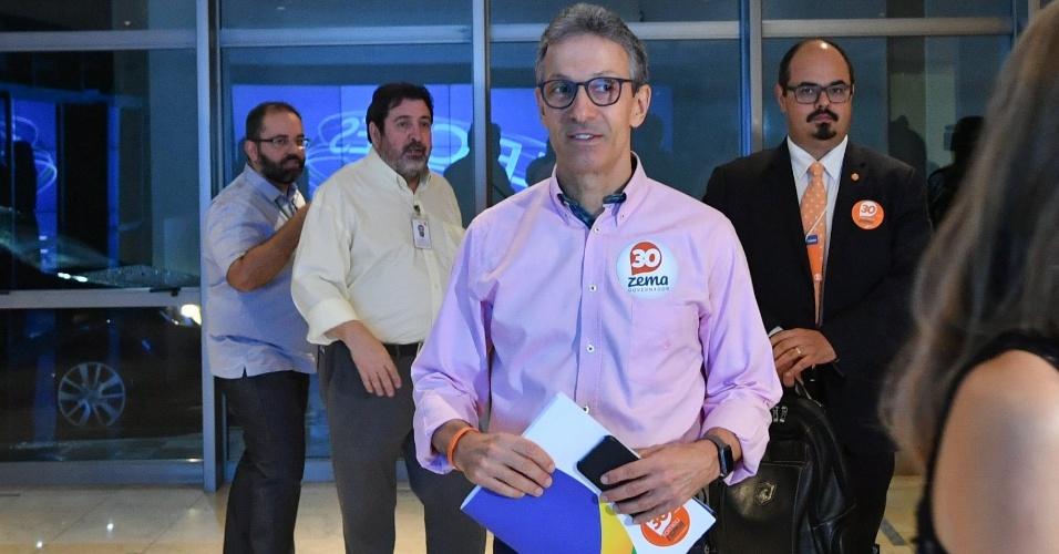 25.out.2018 - O candidato ao governo de Minas Gerais pelo partido Novo, Romeu Zema, chega para o debate do segundo turno, na Emissora da Rede Globo, em Belo Horizonte (MG), nesta quinta-feira