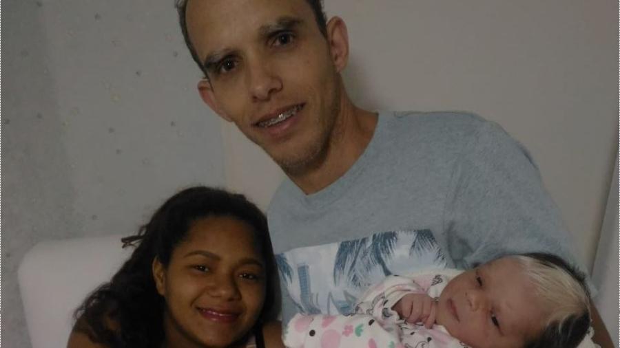 Síndrome que fez com que a pequena Hellen Sophia nascesse com mecha branca é hereditária - Divugalção/Pro-Matre